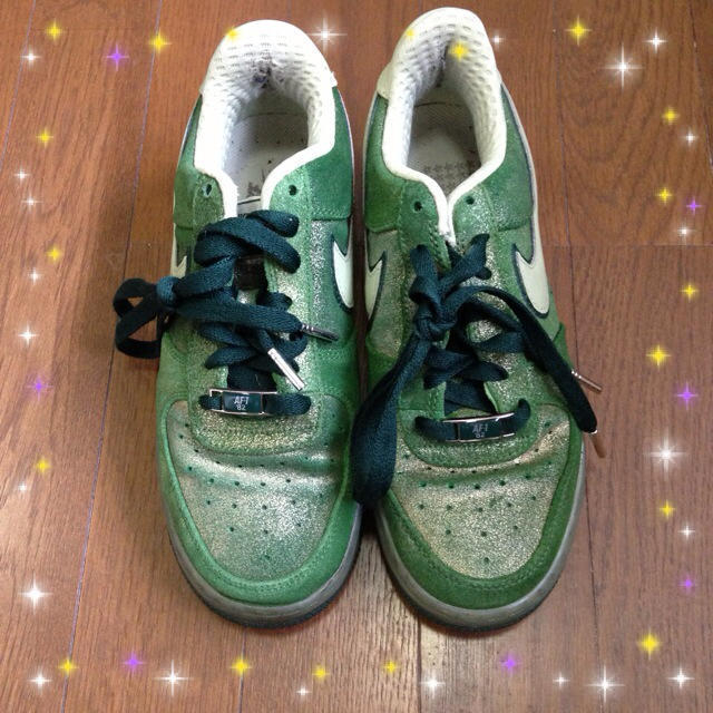 NIKE(ナイキ)の限定NIKEエアフォースワングリーンラメ レディースの靴/シューズ(スニーカー)の商品写真
