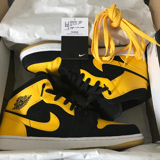 NIKE - AIR JORDAN 1 MID NEW LOVE 2017