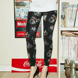 HYSTERIC GLAMOUR - 新品同様☆HYSTERIC GLAMOUR☆総柄レギンス