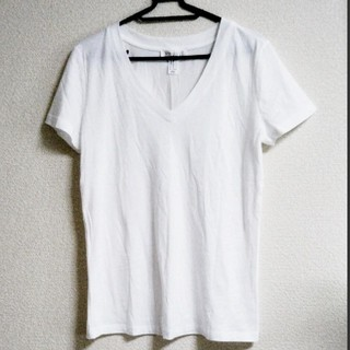 FOREVER 21 - 【新品】forever 21 Vネック ホワイトTシャツ