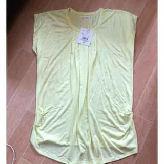 黄色ロングTシャツ(Tシャツ(半袖/袖なし))
