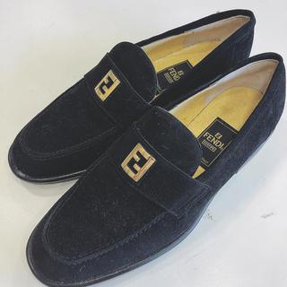 フェンディ(FENDI)のフェンディ FENDI ローファー スウェード スエード素材 ブラック(ローファー/革靴)