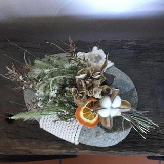 ドライフラワー    オレンジと野辺の草花 スワッグ(ドライフラワー)