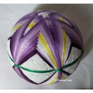 てまり「あやめ」白地、紫花 6cm 手まり 手毬 手鞠(その他)
