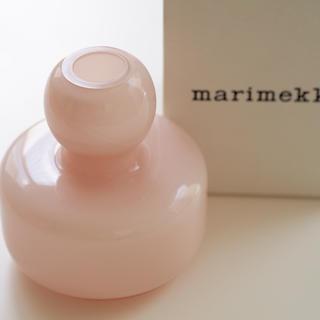マリメッコ(marimekko)のマリメッコ  marimekkoフラワーベースpowder ピンク 美品箱つき(花瓶)