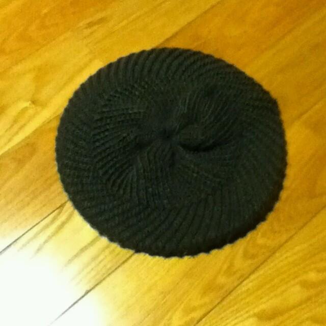 GU(ジーユー)のGU ニット ベレー帽 レディースの帽子(ハンチング/ベレー帽)の商品写真