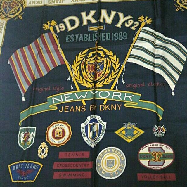 DKNY WOMEN(ダナキャランニューヨークウィメン)のDKNY  スカーフ レディースのファッション小物(バンダナ/スカーフ)の商品写真