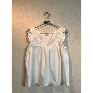 シェル(Cher)のcher シェル 肩フリル White レア(シャツ/ブラウス(半袖/袖なし))