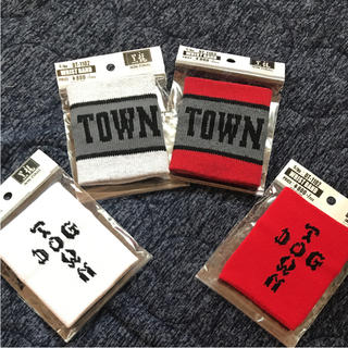 ドッグタウン(DOG TOWN)のツートンRED,ツートンGY,RED,WH☆DOGTOWNリストバンド4個(バングル/リストバンド)