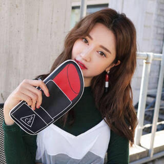 STYLENANDA(スタイルナンダ)のstylenanda 3CE リップ ポーチ 筆箱 クラッチ レディースのファッション小物(ポーチ)の商品写真