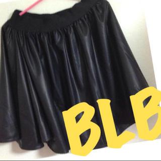 ブルームーンブルー(BLUE MOON BLUE)のレザースカート(ミニスカート)