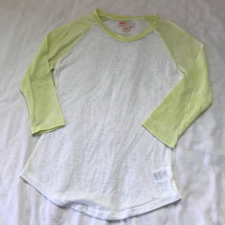 アーバンアウトフィッターズ(Urban Outfitters)のUrban Outfitters (Tシャツ(長袖/七分))