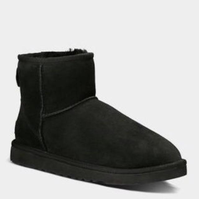 UGG(アグ)のアグ5854ミニ黒7/24cm レディースの靴/シューズ(ブーツ)の商品写真