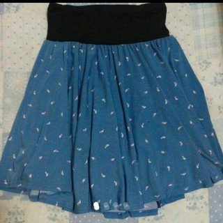 セシール(cecile)の小鳥柄♡パンツインスカート L(ひざ丈スカート)