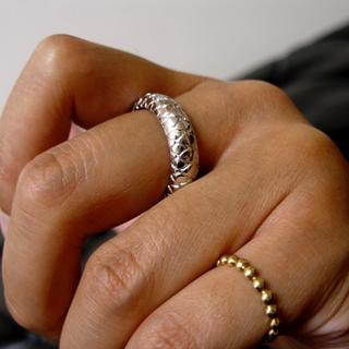 仁尾彫金『ホワイトパイソンリング』ハンドメイド26(リング(指輪))
