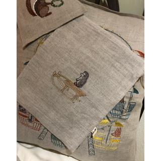 アッシュペーフランス(H.P.FRANCE)のCORAL&TUSK   ハリネズミの巾着コーラルアンドタスク(ポーチ)