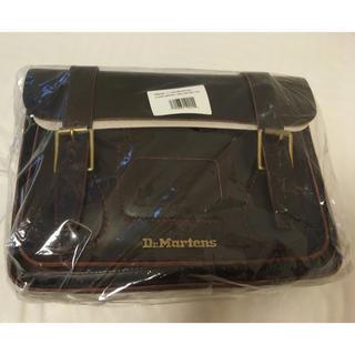 ドクターマーチン(Dr.Martens)の(完全新品)Dr. Martens 11インチ LEATHER SATCHEL(ショルダーバッグ)