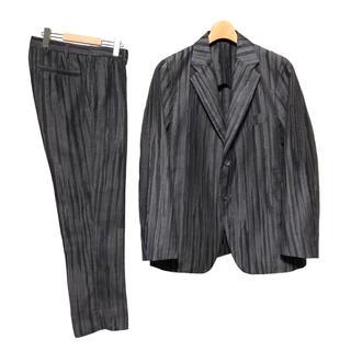 イッセイミヤケ(ISSEY MIYAKE)のISSEY MIYAKE ランダム ストライプ セットアップ スーツ(セットアップ)