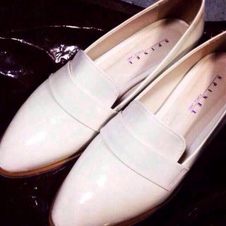 韓国 ホワイト ローファー(ローファー/革靴)