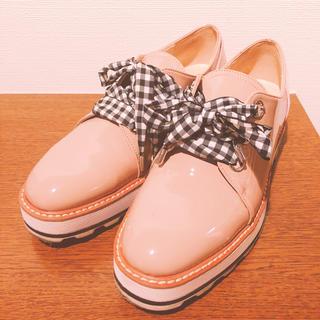 ザラ(ZARA)のZARA オックスフォード フラットシューズ チェックリボンピンクベージュ(ローファー/革靴)