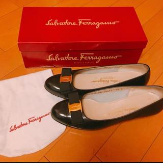 サルヴァトーレフェラガモ(Salvatore Ferragamo)のSalvatore Ferragamo 23.5 良品 箱付(ハイヒール/パンプス)