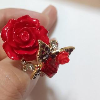バラと蝶のリング(リング(指輪))