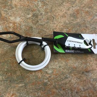 キャノンデール(Cannondale)のサイクル用携帯鍵『キャノンデール ナムロック2 白』5mm×180cm 3桁番号(その他)