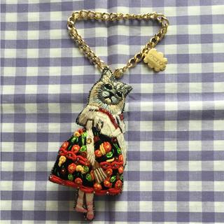 タマオ(tamao)のtamao 刺繍 キーホルダー ブローチ(キーホルダー)