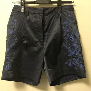 チェルシー(chelsea)のchelsea ショートパンツ 刺繍(ショートパンツ)