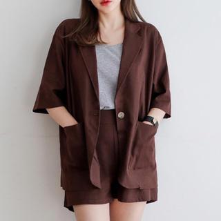 エンビールック(ENVYLOOK)のリネン混ハーフ袖ジャケット+ショートパンツ(テーラードジャケット)