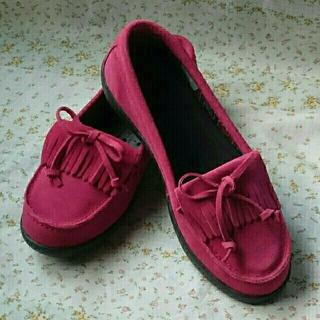 クロックス(crocs)の24センチ クロックス/crocs/ローファー/赤 w8(ローファー/革靴)