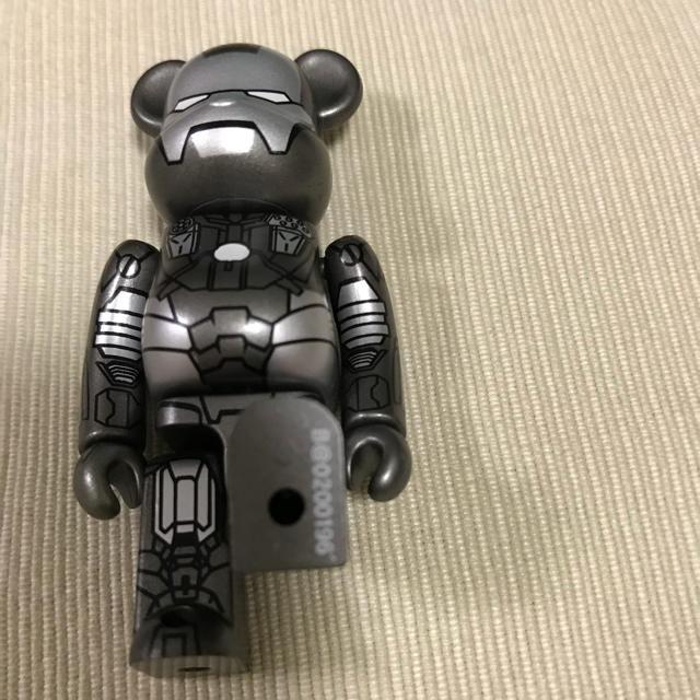 MEDICOM TOY(メディコムトイ)のベアブリック  アイアンマン エンタメ/ホビーのおもちゃ/ぬいぐるみ(キャラクターグッズ)の商品写真