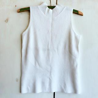 ナンニーニ(NANNINI)のNINI LACK ノースリーブトップス ニットタッチ(Tシャツ(半袖/袖なし))