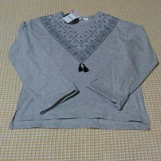 シマムラ(しまむら)のタッセル付き刺繍ロングティシャツ(Tシャツ/カットソー)