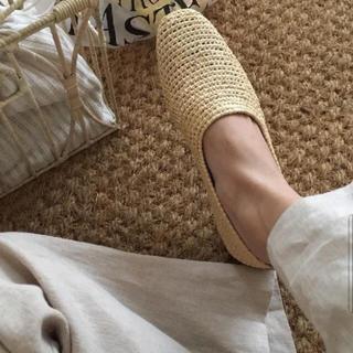 ザラ(ZARA)の1点のみ 完売品 ザラ 編み込み ローファー ナチュラル ラフィア ラウンドトゥ(ローファー/革靴)
