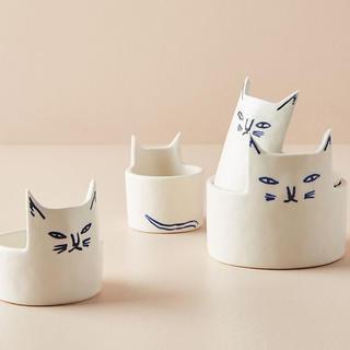 新品★可愛いネコちゃん達の計量カップ/9,800円から値下げ