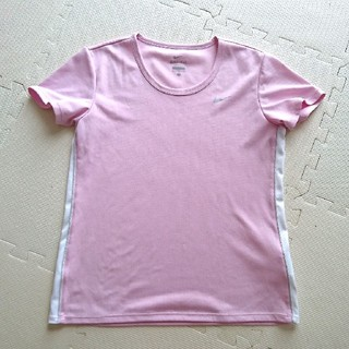 ナイキ(NIKE)のNIKE トップス(Tシャツ(半袖/袖なし))
