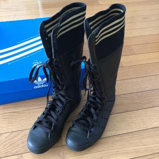 アディダス(adidas)のアディダス スニーカーブーツ(ブーツ)