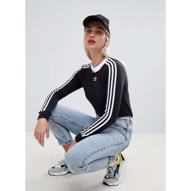 adidas(アディダス)の【Mサイズ】新品未使用タグ付き adidas 3ストライプ ロングスリーブ レディースのトップス(Tシャツ(長袖/七分))の商品写真
