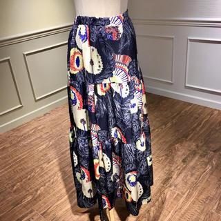 【新品】ネイビーの大花柄スカート(ロングスカート)
