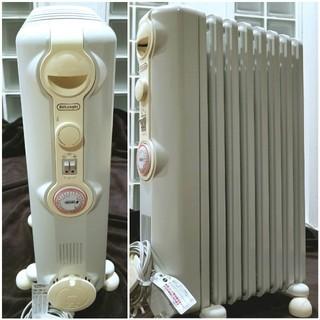 デロンギ(DeLonghi)のデロンギオイルヒーター新L字型フィン1200Wホワイト+クリーム(オイルヒーター)