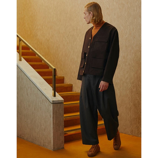 コモリ(COMOLI)のモンロー様STUDIO NICHOLSON BRIDGES PANTS NAVY(チノパン)