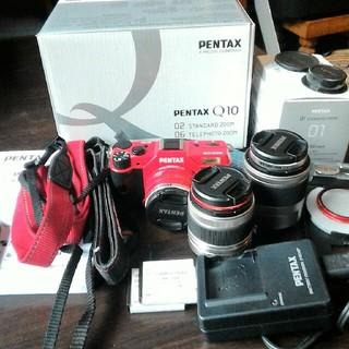 ペンタックス(PENTAX)のPENTAX Q10    ズームレンズキット+レンズ1本 デジタルカメラ(ミラーレス一眼)