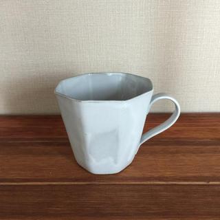サラグレース(Sarah Grace)のmomo natulal マグカップ(グラス/カップ)