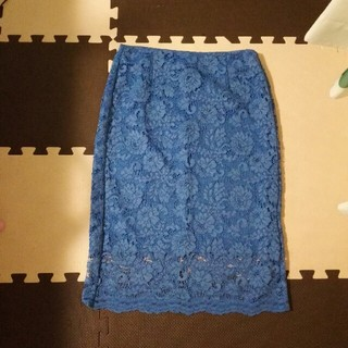 ジーユー(GU)の美品 GU レーススカート(ひざ丈スカート)