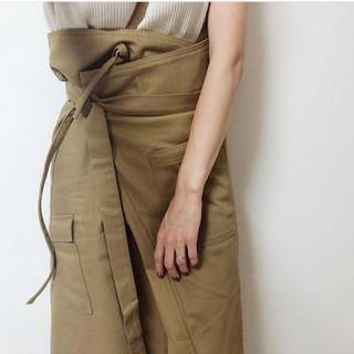 ビューティアンドユースユナイテッドアローズ(BEAUTY&YOUTH UNITED ARROWS)のリトルスージー  ワンショルダーストラップサロンスカート(ひざ丈スカート)