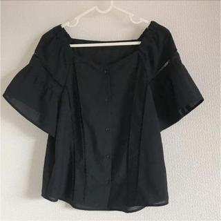 ジーユー(GU)の未使用 ハシゴレースブラウス 半袖(シャツ/ブラウス(半袖/袖なし))