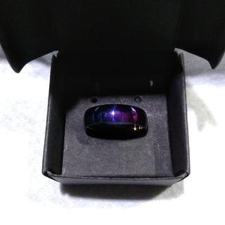 【レディース】虹色に輝くチタン製の指輪19号★箱アリ【LGBT】(リング(指輪))