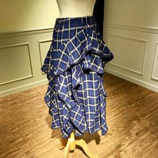 【新品】青チェックのロングスカート(ロングスカート)