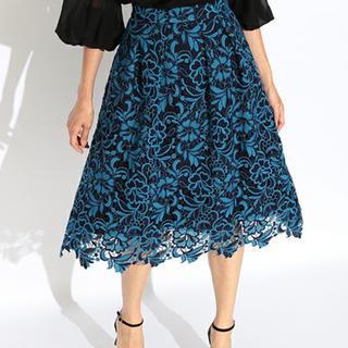 デミルクスビームス(Demi-Luxe BEAMS)のEffe Beams ブルーフラワースカート(ひざ丈スカート)